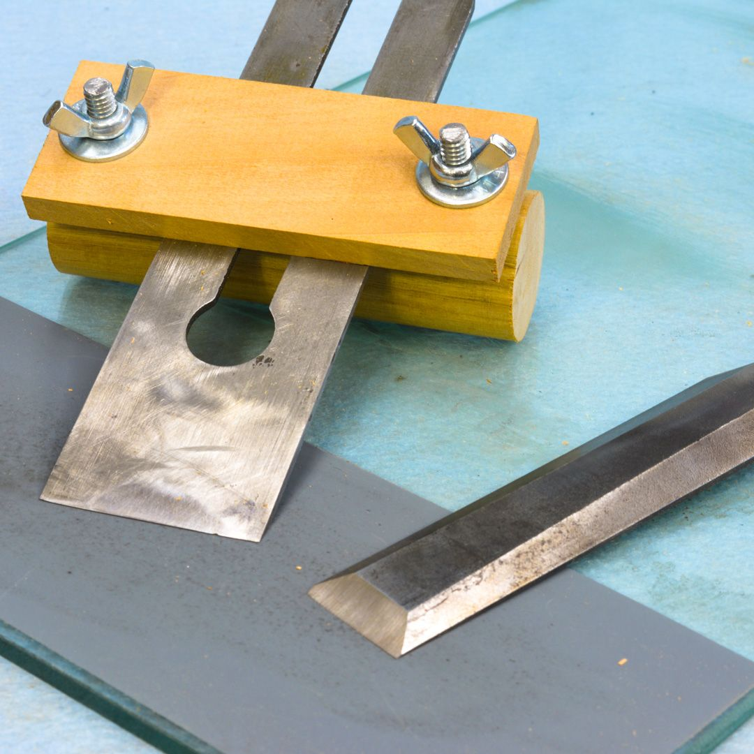 how to sharpen a chisel with a honing guide