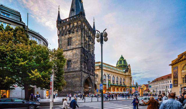 tour guide prague czech republic